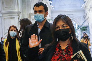 """Constituyentes de Vamos por Chile llevan a la mesa de Loncon y Bassa a la Comisión de Ética por hechos que """"contribuyen a defraudar las esperanzas de la ciudadanía"""""""