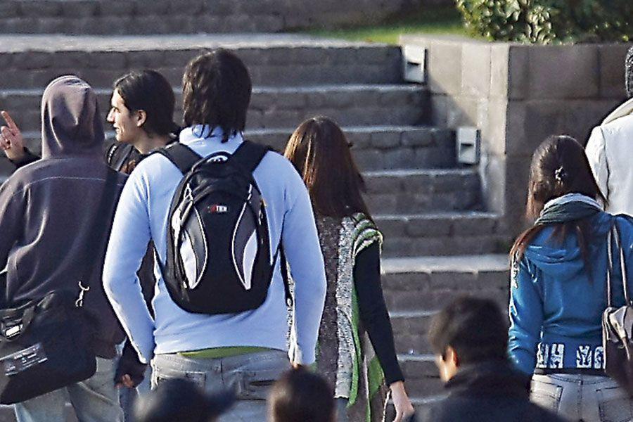 Estudiantes_universitarios_WEB