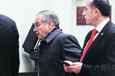 """Las """"desconocidas"""" del general Oviedo a sus subalternos, en tensos careos ante Rutherford"""