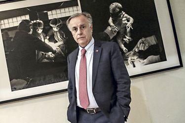 """Emilio Santelices, ministro de Salud: """"En diciembre los pacientes podrán tener acceso a la lista de espera en línea"""""""