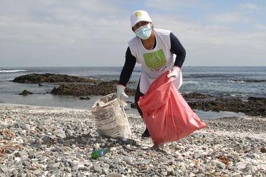 El programa medioambiental que busca recuperar las caletas del litoral sur de Iquique