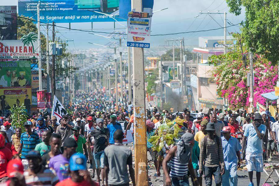 Capital-haitiana,-para(24977070)