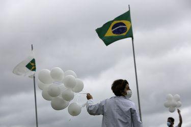 """OPS destaca """"preocupante"""" alza de infecciones de covid-19 en Sudamérica"""