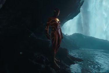El viaje de Barry y la silueta de Batman marcan al primer avance de la película de The Flash