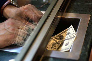 Dólar se dispara por encima de los $800 y moneda chilena es la de peor desempeño en el mundo