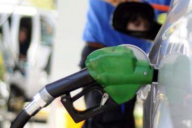 Fact Checking 84: ¿Empresa de combustible se queda sin espacio de almacenaje y dona bencina a usuarios? ¿Director General de Carabineros cita a investigación por correo electrónico?