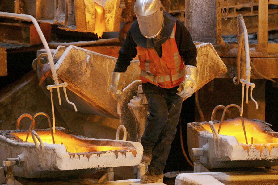 Precio del cobre registra su peor mes en más de 8 años