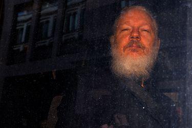 Assange permanecerá en prisión a la espera del juicio de extradición a EE.UU.