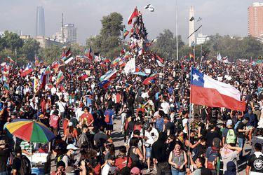 Huelga en Chile lleva a las calles clamor por garantías de derechos básicos