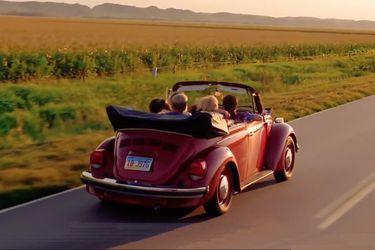 'La vida se siente mejor en un Volkswagen': el emotivo spot que recorre la historia de la marca