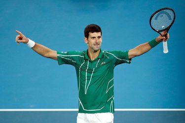 Djokovic supera a Thiem y levanta su octavo trofeo de Australia