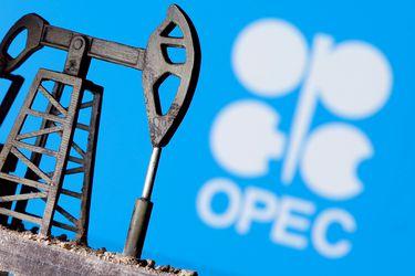 La estrategia de la OPEP+ da resultado y el precio del barril registra su mayor retroceso en cuatro meses