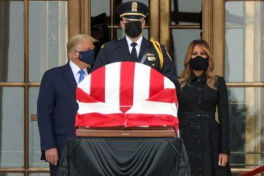 """""""Voten para echarlo"""": Trump es abucheado durante ceremonia en honor a jueza Ruth Bader Ginsburg"""