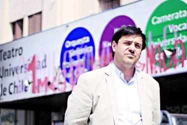 """Diego Matte, director del Centro de Extensión de la U. de Chile: """"Los fondos concursables resultan antipáticos en esta situación"""""""