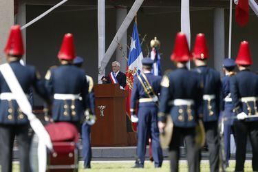 En Escuela Militar y con 50 invitados: 30 minutos duró inédita ceremonia que conmemoró las Glorias del Ejército