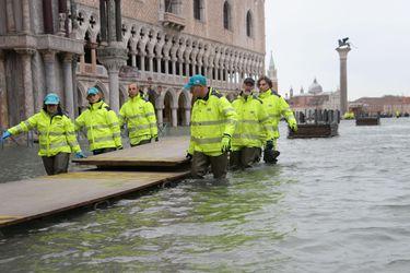Venecia vuelve a inundarse a tres días de alcanzar marea récord