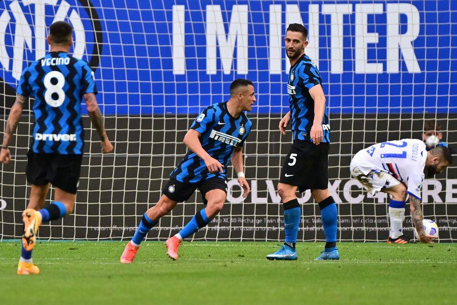 Alexis Sánchez anotó dos goles en el partido entre Inter y Sampdoria.