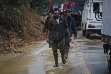 Tormenta Eta deja unos 100 muertos y decenas de desaparecidos en Guatemala tras alud
