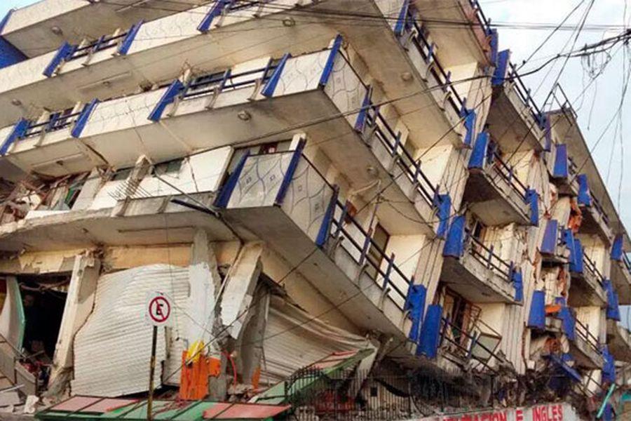 ¿Por qué cayeron los edificios en México? ¿Puede ocurrir esto en Chile? - La Tercera
