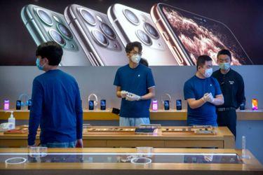 Apple diseñó sus propias mascarillas para sus trabajadores