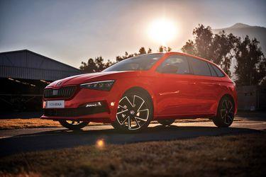 Llega a Chile la versión Monte Carlo del hatchback Škoda Scala