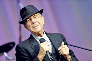 Leonard-Cohen-performs-open-air-at-t-(41339245)