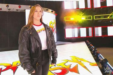 Ronda Rousey firmará su contrato con WWE en Elimination Chamber
