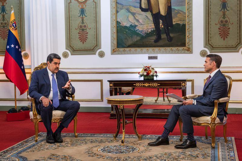 """Nicolás Maduro habla con Bloomberg y dice que ya es hora de un acuerdo con  EEUU y que Venezuela será la tierra de las oportunidades: """"Invito a los  inversionistas estadounidenses"""" - La"""