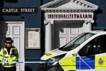 """Theresa May afirma que ciudad donde fueron envenenados ex agente ruso y su hija es """"segura"""""""