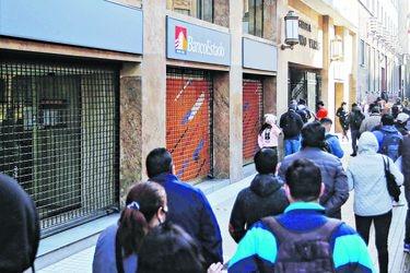 Cuentas y montos de ahorro para viviendas en BancoEstado se disparan tras retiro del 10%