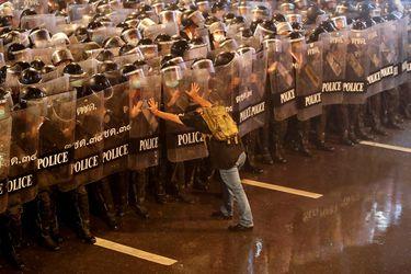 ¿Cambio de Constitución en Tailandia? Protestas marcan debate por una reforma constitucional en el Congreso
