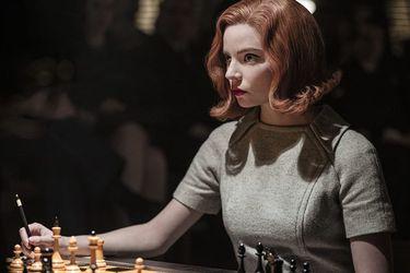 """La ajedrecista Nona Gaprindashvili demandó a Netflix por un cometario """"sexista y denigrante"""" sobre ella en The Queen's Gambit"""