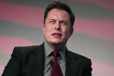 Elon Musk no se lleva con Hollywood: ahora Mickey Rourke lo desafió a pelear