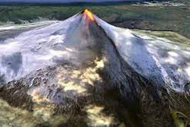 Tres volcanes de Alaska en erupción expulsan lava y cenizas