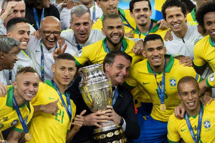 Mastercard retira su marca de la polémica Copa América que se realizará en  Brasil - La Tercera