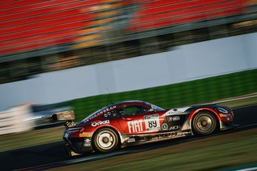 Hites vuelve a abandonar en el GT Challenge