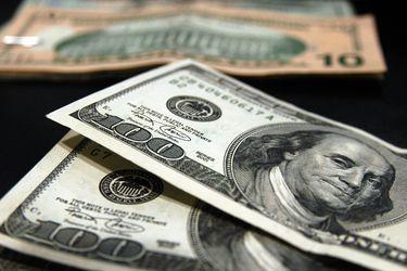 Dolar cerró en su menor nivel en más de un mes ante positivo comportamiento del cobre y las bolsas