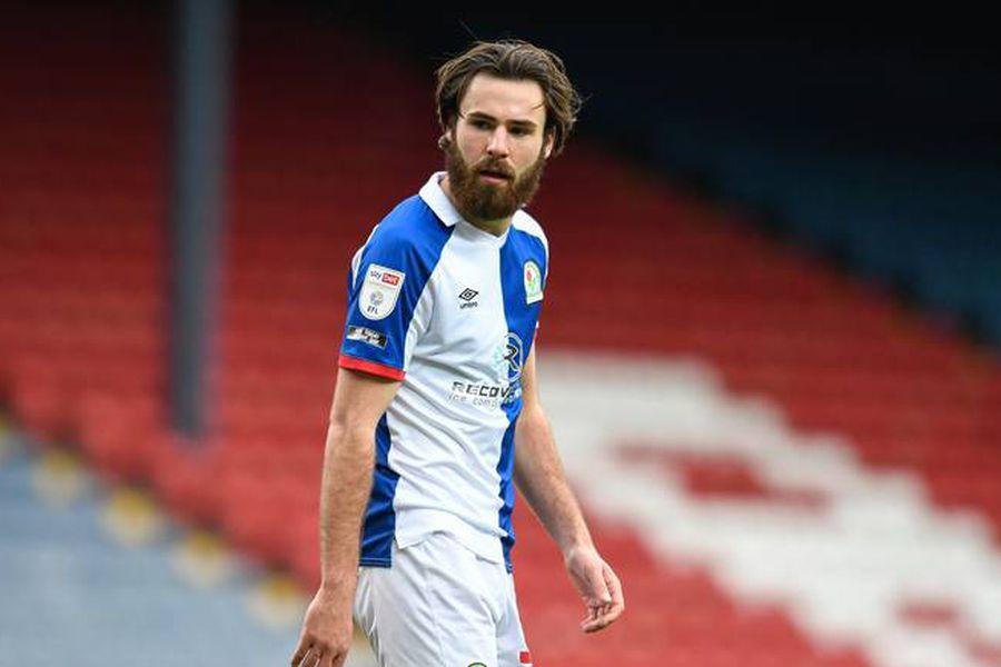 Ben Brereton, durante un partido del Blackburn Rovers. FOTO: Reuters.