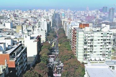 Vacaciones tributarias ofertadas por Uruguay podrían llegar a entusiasmar a chilenos