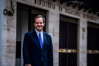 Explicar el proceso constituyente y acuerdo de libre comercio con la Unión Europea: Allamand inicia su primera gira internacional