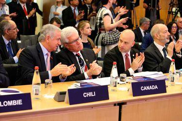 Ministro-Felipe-Larraín-en-la-OCDE-2-22.05