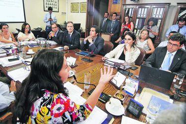 Comisión de Trabajo despacha proyecto de protección a los ingresos: Las claves para entender las últimas modificaciones