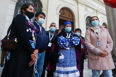 """Escala tensión por presencia de Arancibia en la Convención: Machi Linconao acusa """"ataque"""" en su contra y Chile Vamos dice que siempre """"defenderemos a las minorías"""""""
