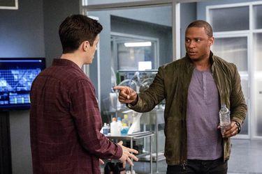 The Flash retomará la trama de Diggle y Green Lantern que se tanteó en el final de Arrow