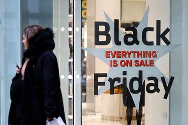 BRITAIN-ECONOMY-RETAIL-CHRISTMAS-BLACK FRIDAY
