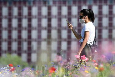 ¿No puede desbloquear su iPhone por la mascarilla? Apple crea software para liberar teléfonos equipados con bloqueo facial