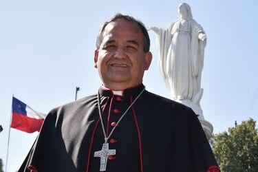 Obispo Larrondo realiza autocrítica por abusos en la Iglesia y promete colaborar con la reparación