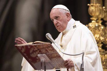 Papa Francisco convoca sínodo de obispos para 2022
