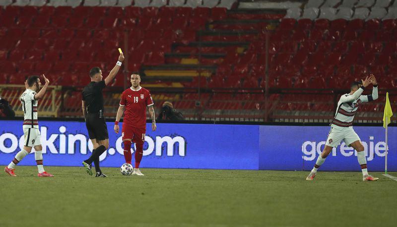 El enojo de Cristiano: no le validan el gol que le daba el triunfo en la agonía a Portugal y se retira de la cancha - La Tercera