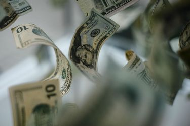 Dólar cae $18 en dos días por Biden y flujos de inversionistas extranjeros